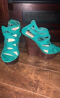 Teal Wedged Summer shoes London, N6G 3L4