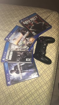 Ps4 games & controller Houston, 77039