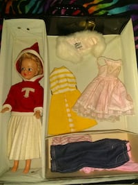 two white and red dressed dolls Lancaster, 43130