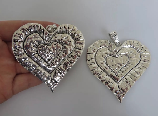 Beautiful Large Abstract metal allow HEART pendants. 5ff11620-9a38-43a3-aa7b-edd885959fc9