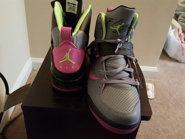 2e0a024f6fb Used black gray and pink air jordan basketball shoes with box for sale in  Franklin
