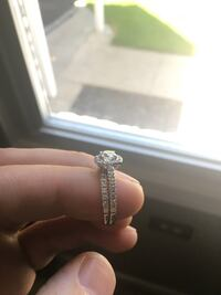 Engagement ring set. Grosse Pointe Woods, 48236