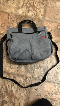 Skip Hop diaper bag good condition Delta, V4E