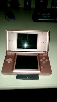 Nintendo ds lite and 1 game / trade