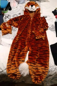 child's lion Halloween costume size 2-3 !