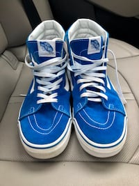 blue-and-white Vans low-top sneakers Springfield, 22151