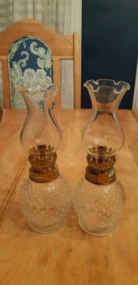 two clear glass candle holders Gatineau, J8R 2R2