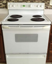 White Electric Stove- GE Brand- Excellent Woodstock, 21163
