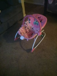 pink and white floral bouncer Montgomery, 36109