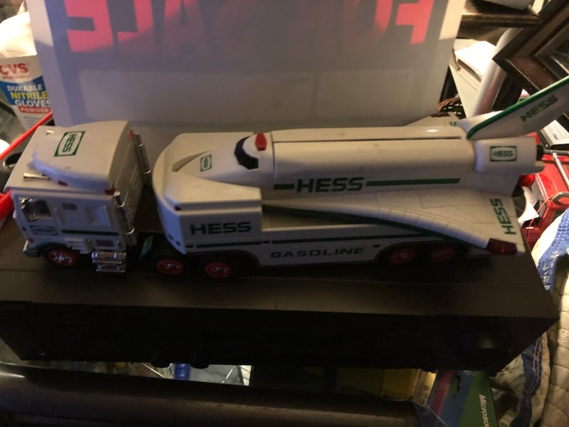 Hess collectibles- Truck & Space Shuttle 2570f058-92fe-4503-a9c7-b5759ea09b00