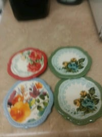 four white-and-green ceramic plates Mattoon, 61938