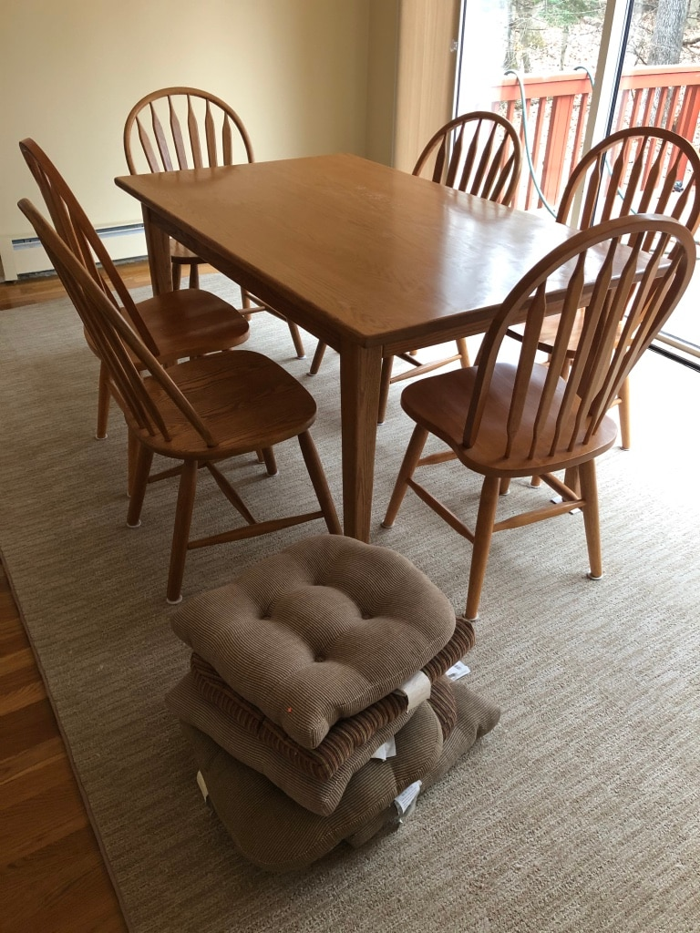 Photo Oak Dining Room Table with or without Chairs