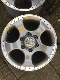 """Nissan Xterra alloy 17"""" rims,good condition.4Missing two center caps. Yonkers, 10708"""