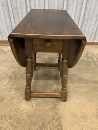 Sweet Looking Drop-Leaf One Drawer Coffee/Accent Table Baltimore, 21202