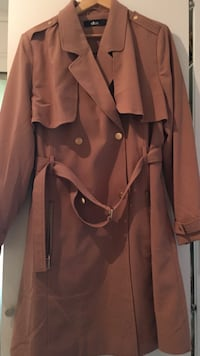 kvinners brune trench coat