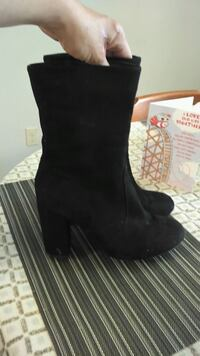 Size 9 womans suede boot 9\10 condition