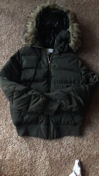 Coat Washington, 20017