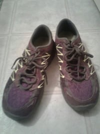 pair of purple-and-black running shoes West Kelowna, V1Z 4A3