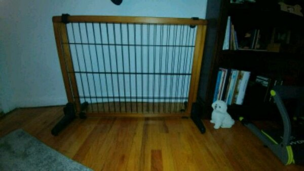 e7ab3bfb550 Used Carlson freestanding pet gate brand new for sale in Nutley - letgo