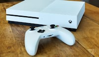 White xbox one console with controller Garfield Heights, 44125