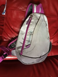 REEBOK cross-over two toned bag Ottawa, K1R 6N7