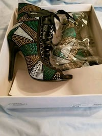 Steve Madden lace up booties size 6 Brownsville, 78521
