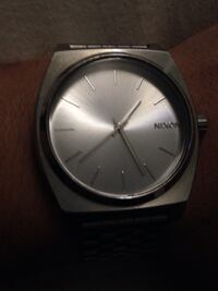 Round silver nixon analog watch with link bracelet. OBO Bakersfield, 93311