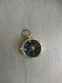 Brass compass key chain Alhambra