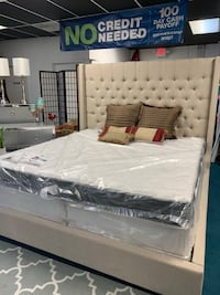 Tall  tufted queen bed  Houston, 77043