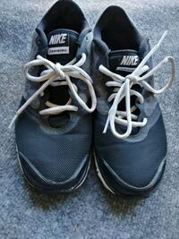 pair of gray-and-black running shoes 2332 mi