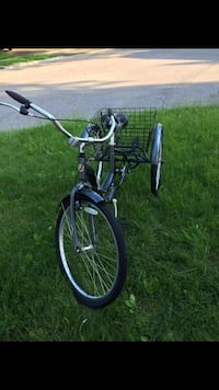 Scwhinn adult tricycle  Mississauga, L5B 2W7