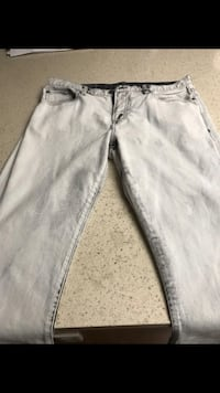 Aeropostale jeans they are 33x32 Perris, 92571