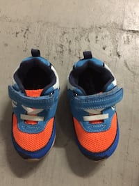 Baby shoes size 6 Mississauga, L5R 0G5