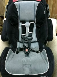 2 baby car seats buy one get one free Calgary, T2T 4T5