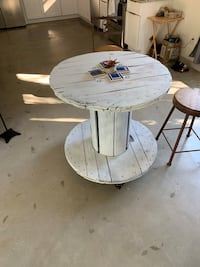 Rustic cable spool tabel
