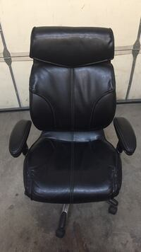 black leather padded rolling armchair Salt Lake City, 84121