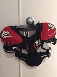 Easton youth small shoulder pads - New! Dollard-des-Ormeaux, H9G 1Y3