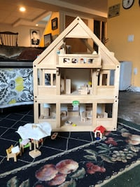 Plan Toys Doll House with furniture, family and pets