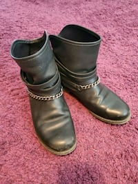 Ladies genuine leather boots Toronto, M8V 4E5