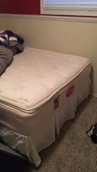 Queen size bed Not new but still good just give me your offers  Red Deer, T4R 0L8