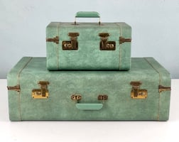 Vintage Green Suitcase Set (2piece with keys)