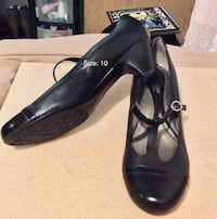Pair of black leather heels Winnipeg, R2V 4A2