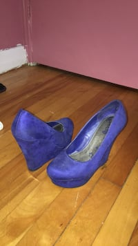 pair of blue suede platform stilettos Laval, H7G 3L2
