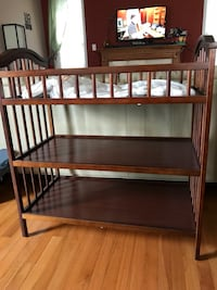 Solid wood changing table Gaithersburg, 20878