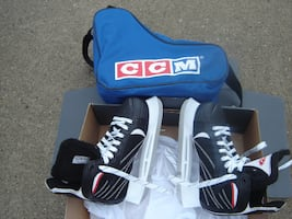 ALMOST NEW USED 3 MONTHS BOYS HESPELER SKATES AND CCM SKATE CARRY BAG!