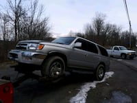 Toyota - 4 runner  2001 for parts only Thorold, L0S 1A0