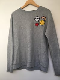 Grey oversized sweater with patches  Brampton, L6V