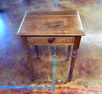 Antique side table  Mayfield, 42066