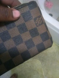 Louis Vuitton leather coin pouch 2279 mi