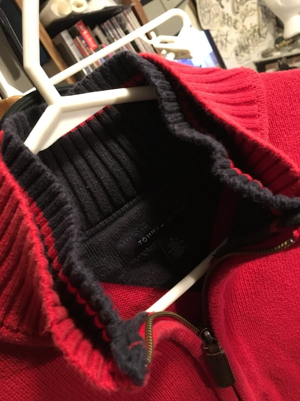 Tommy Hilfiger sweater 4